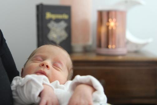 2018-02-18 - Kensington's Newborn Photos [004]