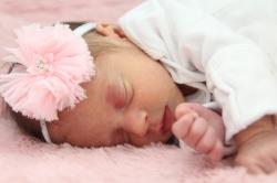 2018-02-18 - Kensington's Newborn Photos [058]